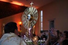 Padre-Anselmo-Procesion-Santisimo