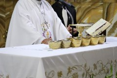 Sr-Obispo-Misa-Catedral
