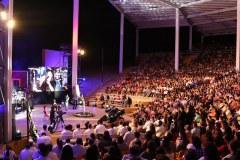 Esenario-y-publico-noche